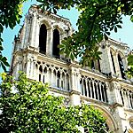 Les tours de Notre Dame en été