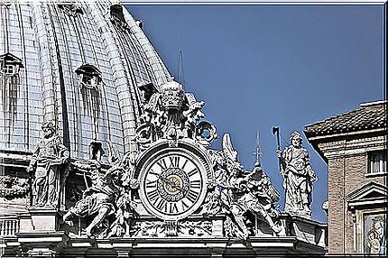 Horloge de la basilique Saint-Pierre !
