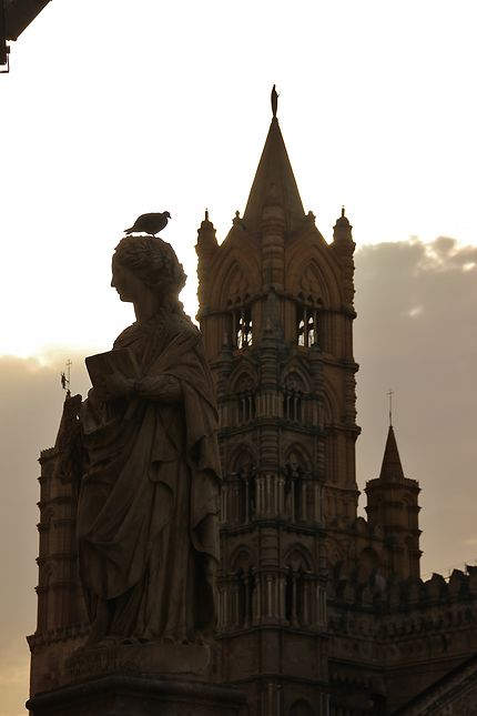 Statue de la cathédrale de palerme