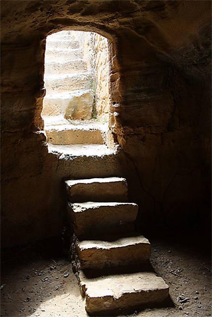 A l'interieur d'un tombeau
