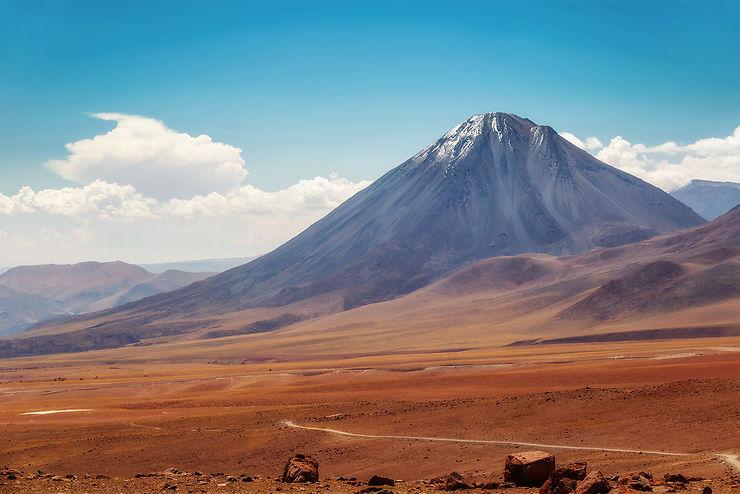 Volcans Licancabur et Lascar : une ascension vers les cieux