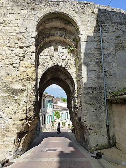 Porte de Bourg