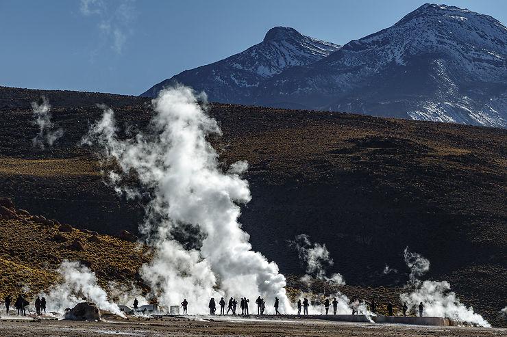 Les geysers et la vallée Arc-en-Ciel : quand le désert se donne en spectacle…