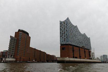 En remontant l'Elbe, HafenCity