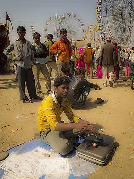 Tatoueur de rue - Beneshwar mela