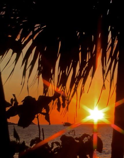 Le soleil se couche sur Patong