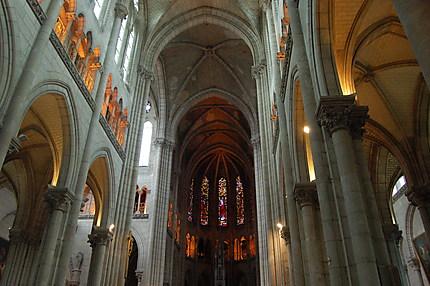 Intérieur de la Basilique Saint Nicolas