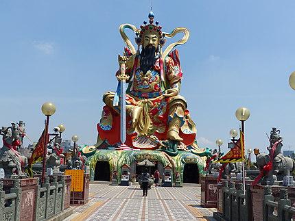 Statue de Xuantian Shang-Di...et ses 24mètres