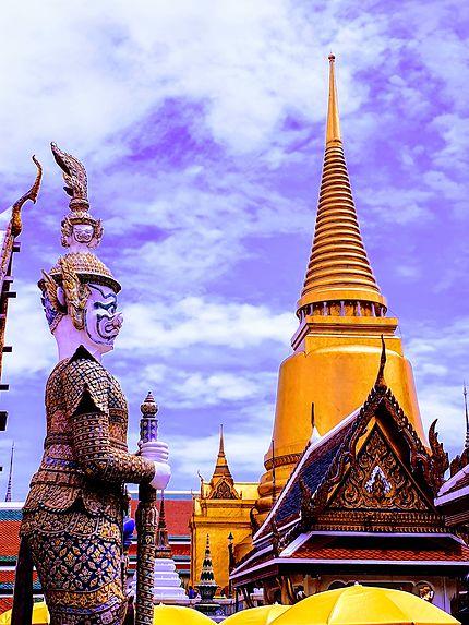 Les gardiens du Wat Phra