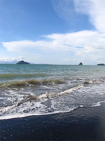 Black beach, Langkawi !