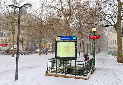 Édicule Porte de Pantin sous la neige