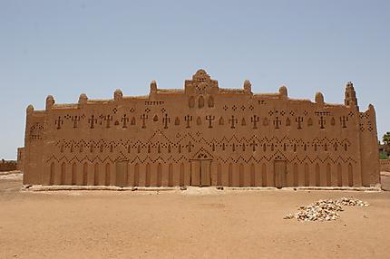 Bani : façade de la grande mosquée