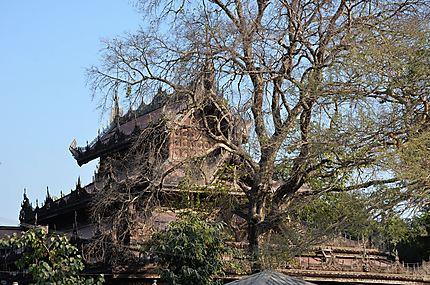 Le superbe Shwenandaw Kyaung
