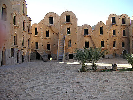 Vieux village troglodyte