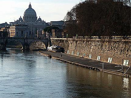 St Pierre et le Tibre  ....