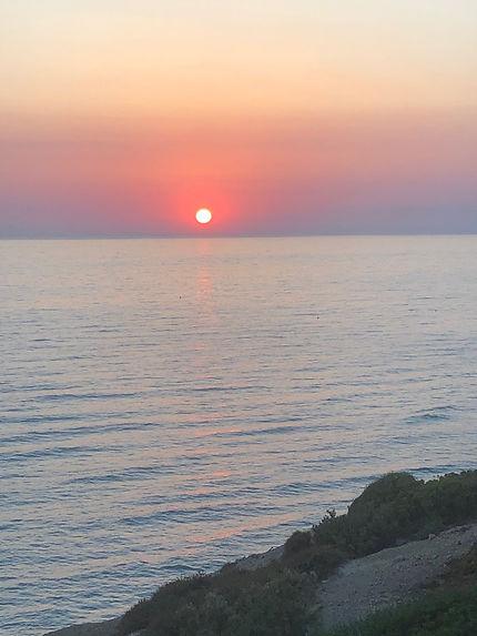 La sicile et son soleil rouge