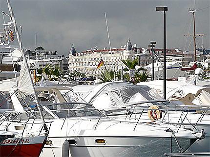 Cannes -yachts et Grand hôtel Martinez