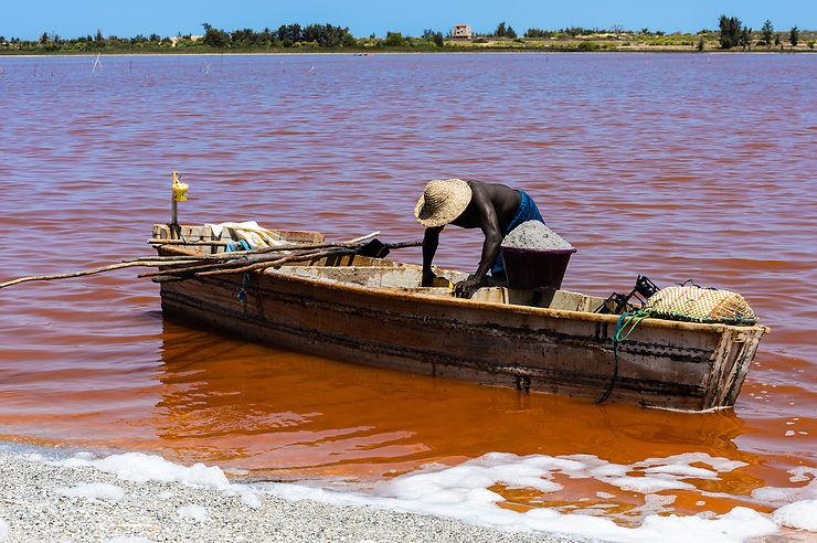 Le lac Rose, merveille naturelle du Sénégal