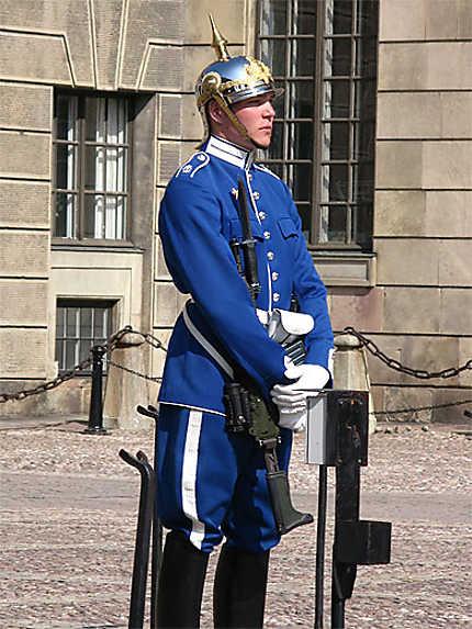 Gardes au palais royal