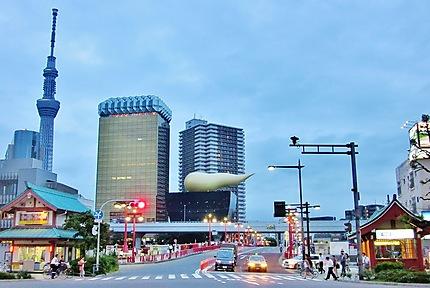Tokyo -Tour futuriste de Philippe Starck