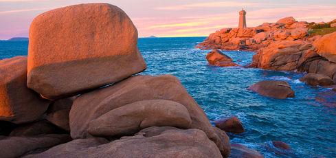 Sur la côte de Granit rose -