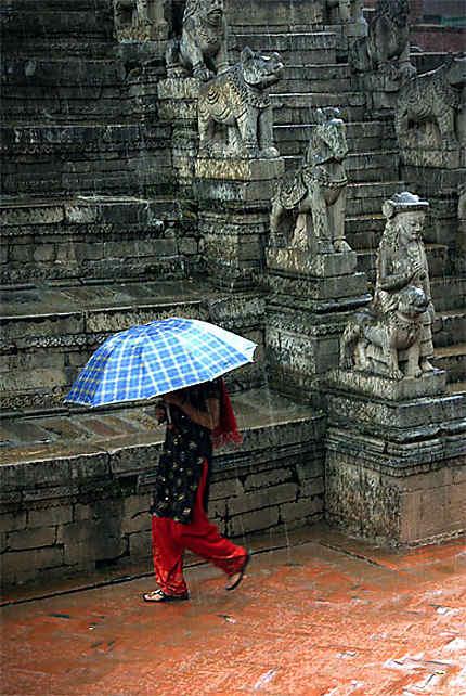Sous la pluie à Bhaktapur