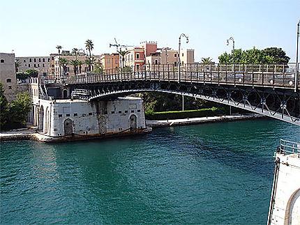 Ponte Girevole