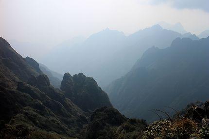 Vue depuis le sommet du Fansipan