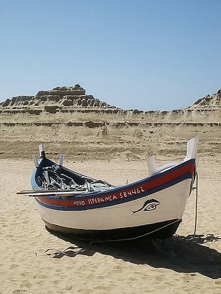 Sesimbra - Barque de pêcheur au repos
