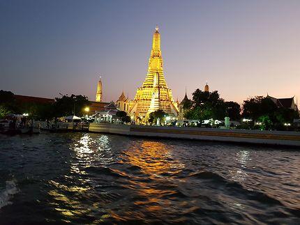 Wat Arun au coucher du soleil
