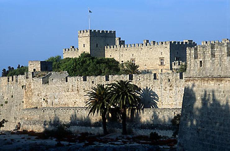 Les grands pèlerinages chrétiens à partir de l`Angleterre au Moyen-Âge - Canterbury -Terre-Sainte - Rome - Compostelle Dodecanese4-forteresse.1408840.w740