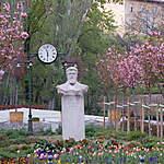 Square Mechwart (Mechwart liget) au printemps
