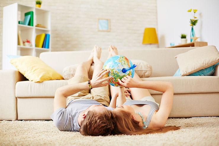 10 idées pour voyager en restant chez soi