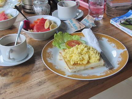 Petit déjeuner à Amed