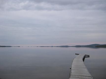 Lac Inari à minuit