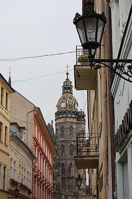 Maisons baroques et cathédrale gothique