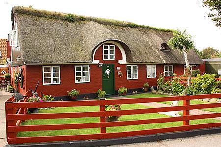 maison danoise finest property image danish house ps maison danoise tout confort with maison. Black Bedroom Furniture Sets. Home Design Ideas