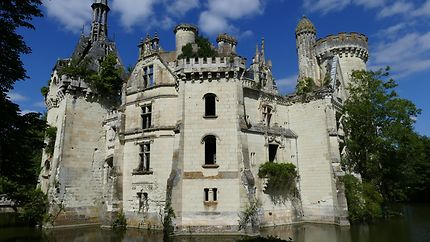 Autre façade du chateau de la Mothe-Chandeniers