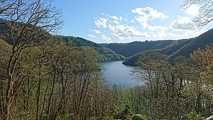 Vue sur la Dordogne depuis le jardin de Bardot