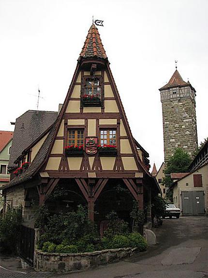 Une jolie maison et rue