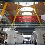 Carrousels à bagages au terminal 4
