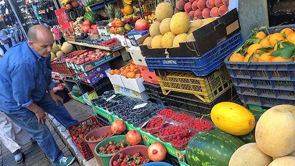 Marchand de fruits et légumes à Tanger
