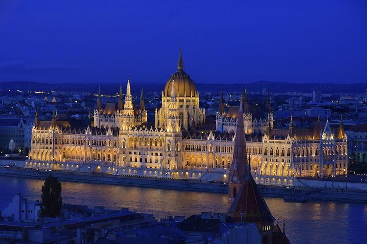 Le parlement hongrois à l'heure bleue, Budapest