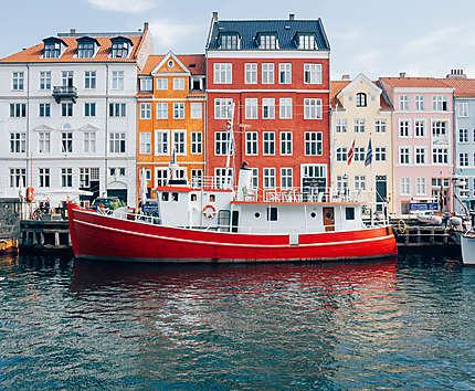 Le bateau rouge