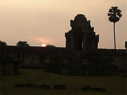 A Angkor Wat le soir