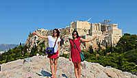 Les P'tites Poucettes : deux filles en auto-stop, d'Athènes à Helsinki