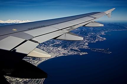 La baie de Nice vue d'avion
