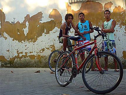 Jeunes dans la rue