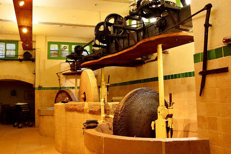 Le dernier moulin à huile d'olive de Nice