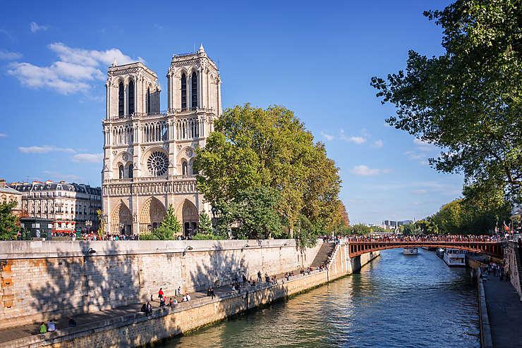 Notre-Dame-de-Paris, plus de 850 ans d'histoire...